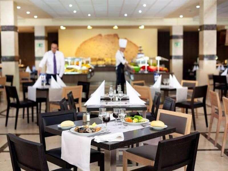 preparazione-ristorante-jacaranda-tenerife