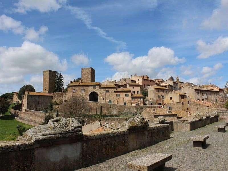 panoramica borgo tuscania